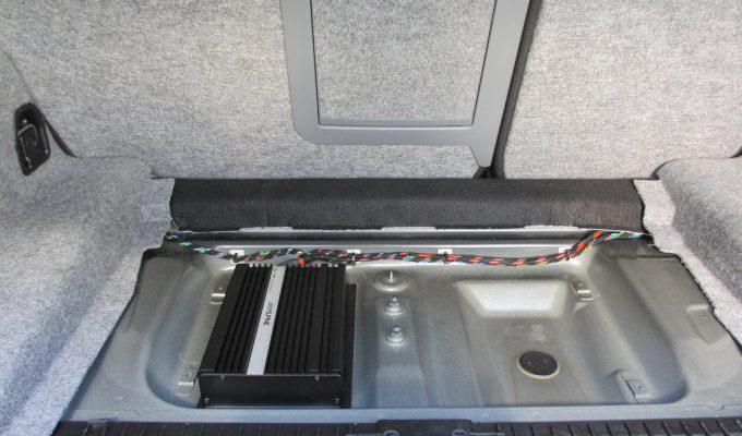 BMW Alpine Hifi Nachrüsten Kofferraumeinbau Subwoofer Music