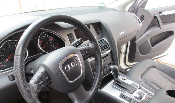 Audi Q5 Reinigung Pflege Saubermachen Putzen