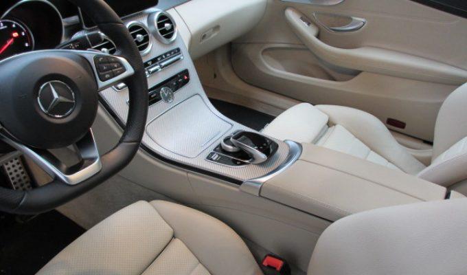 Mercedes Benz Innenreinigung TV Modul Video TV Free Bild während der Fahrt